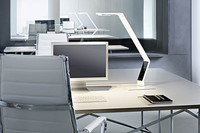 Bureaulamp Luctra Linear Table wit-3